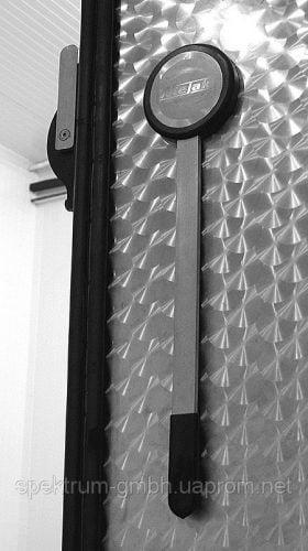 Двери одностворчатые автоматические с замком